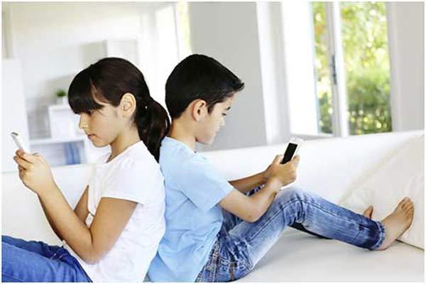 Penggunaan Ponsel oleh Anak